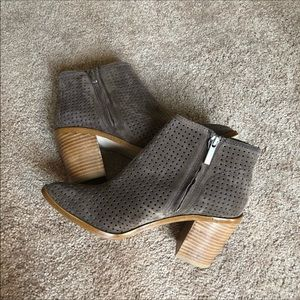 1. State Shoes - 1. State Larocka perforated bootie